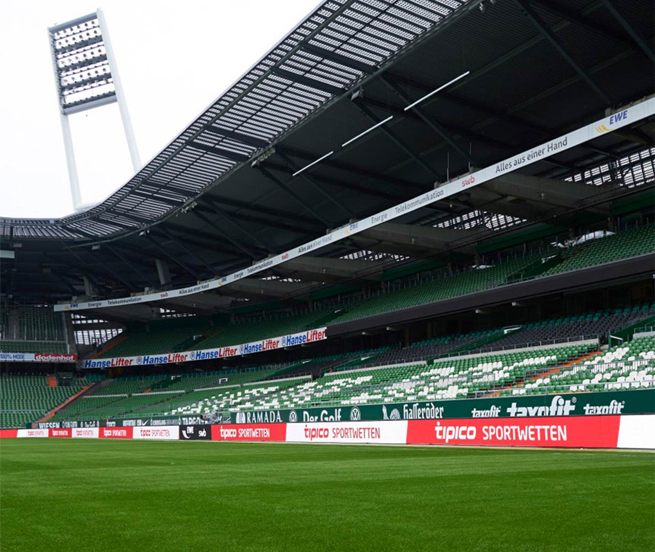 Stadion: Tipico-Banden-Branding von der Designagentur Preussisch Portugal