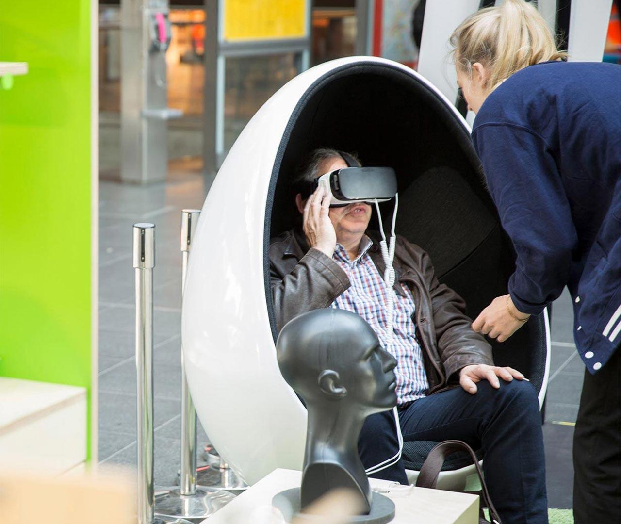 VR Brille wird bei mobilcom-debitel getestet